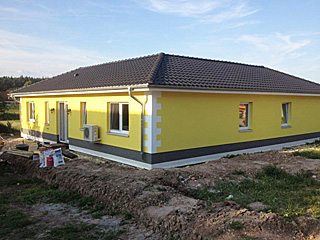 atriumbungalow 181 16 ru bungalow mit atrium einfamilienhaus neubau massivbau stein auf stein. Black Bedroom Furniture Sets. Home Design Ideas